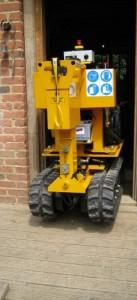 Predator radio remote narrow 26 inch (66 centimetres) stump grinder